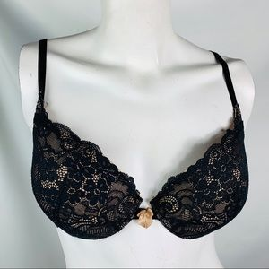 Victoria's Secret very sexy 34D black lace padded